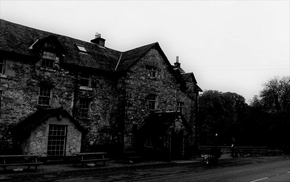 The Drovers Inn >> The Drovers Inn Scottish Travel Photographer